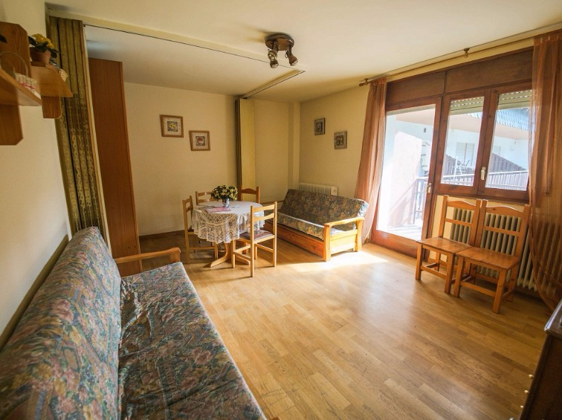 Buy Studio Incles: 40 m² - 80.000 €