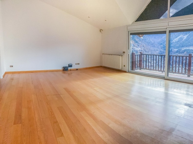 Buy Attic Escaldes-Engordany: 140 m² - 850.000 €