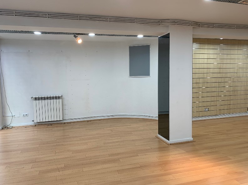 Buy Second commercial line Andorra la Vella: 159 m² - 850 €