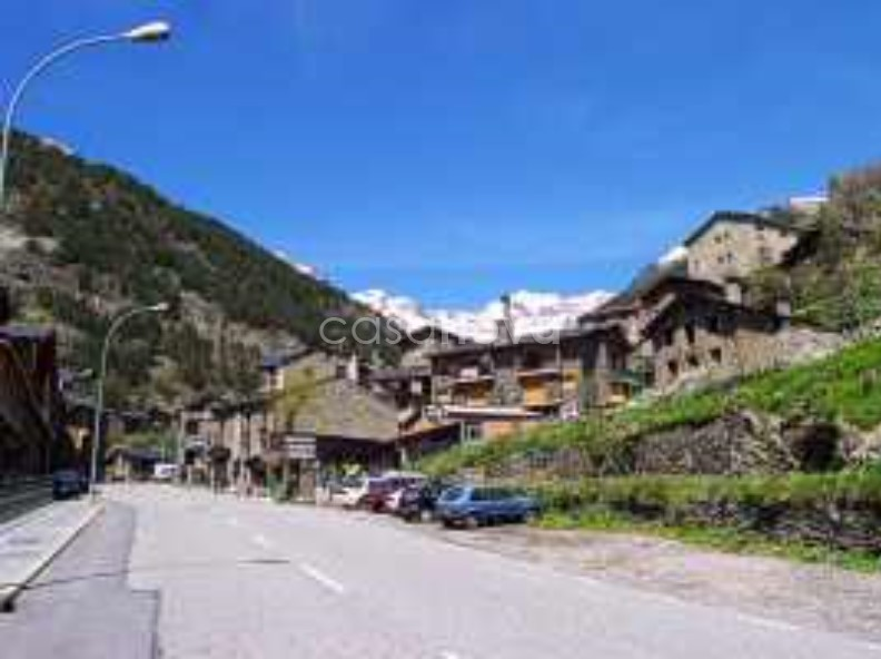Chalet-Tower for sale in Arinsal