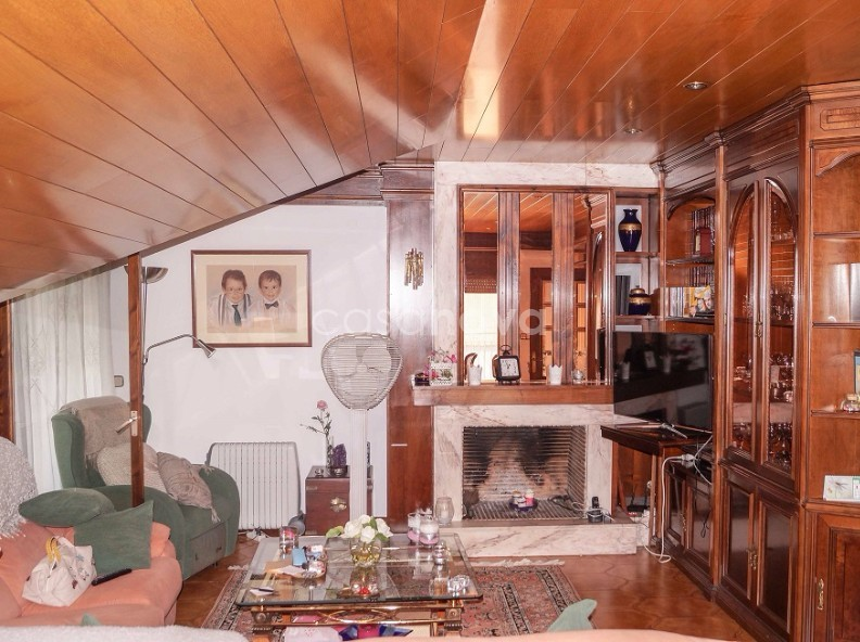 Chalet-Tower for sale in Aixovall
