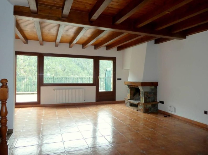 Buy Attached Arinsal: 223 m² - 650.000 €