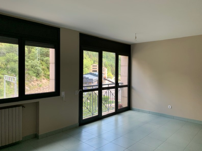 Achat Appartement Santa Coloma: 88 m² - 850 €