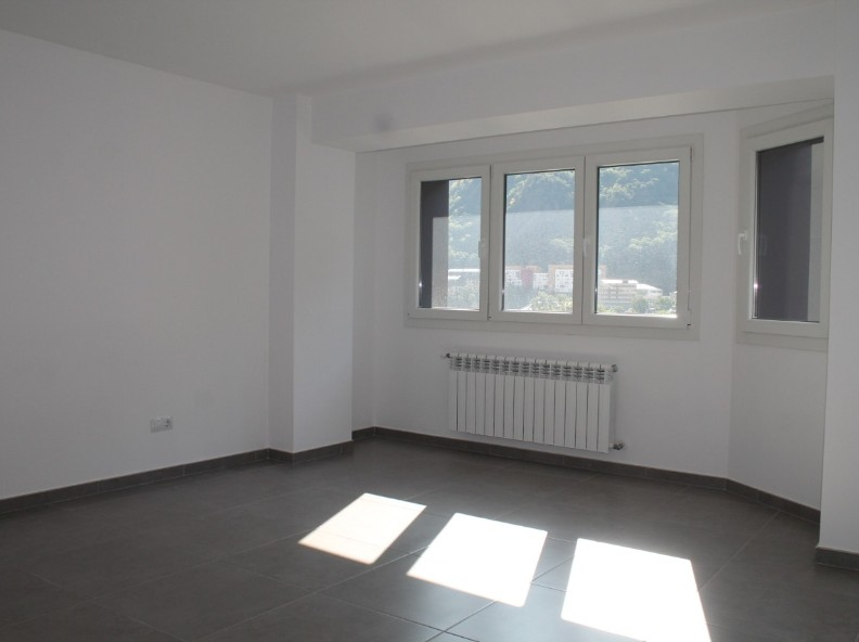 Achat Appartement Santa Coloma: 110 m² - 1.200 €